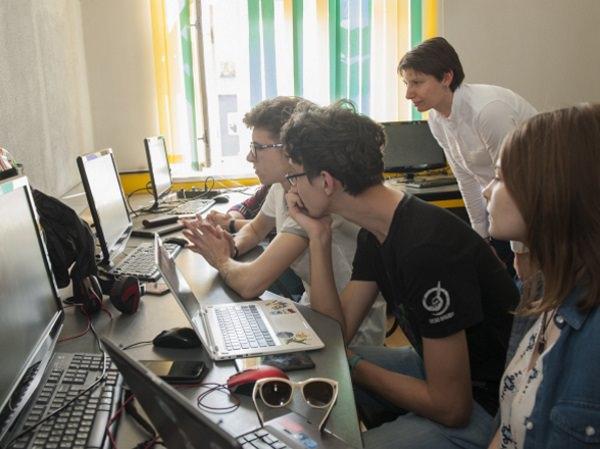 В АГУ прошёл семинар по разработке мобильных приложений