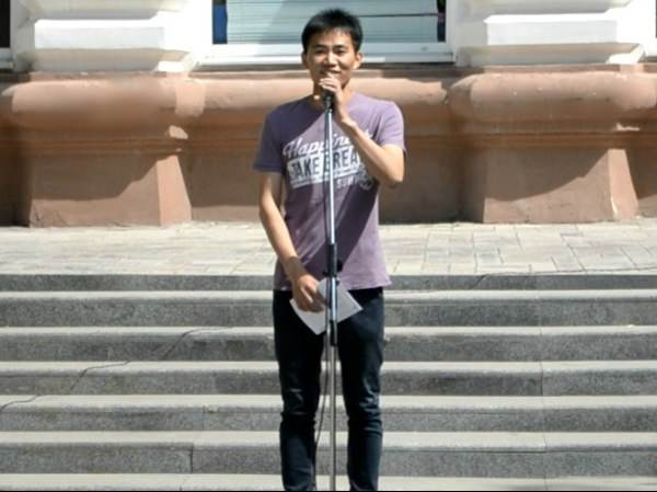 Студенты Астраханского госуниверситета из Китая читают русскую классику