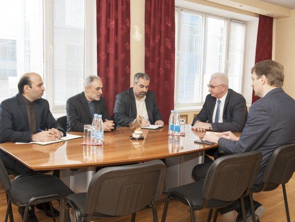 Генеральный консул ИРИ в Астрахани посетил АГУ