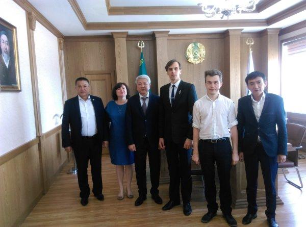 В Казахстане проходят социологические исследования под кураторством специалистов АГУ