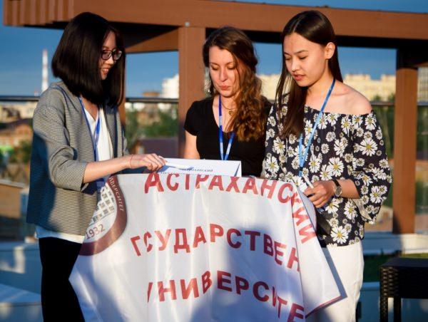 Студенты-журналисты АГУ приняли участие в шоу «Слово за слово»