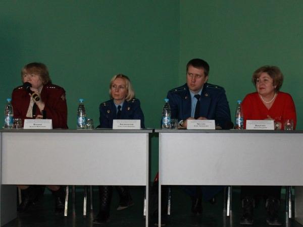 Управление Роспотребнадзора провело совещание на базе АГУ