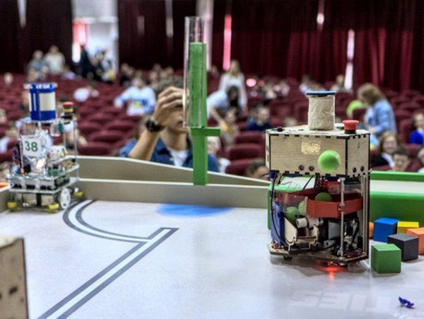 На состязаниях роботов команда АГУ обогнала ведущие российские вузы
