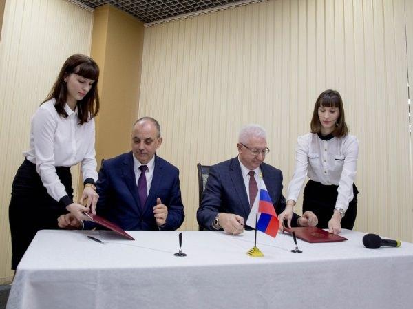 ПАО «Особая экономическая зона «Лотос» и ООО «МедИнТех» стали партнёрами АГУ
