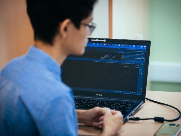 В АГУ студенты учат искусственный разум распознавать цифры