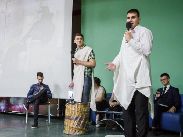 В АГУ прошла творческая встреча с писательницей Анной Гончаровой