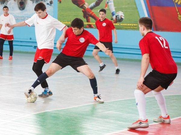 Сборная АГУ по мини-футболу стала победителем областной спартакиады