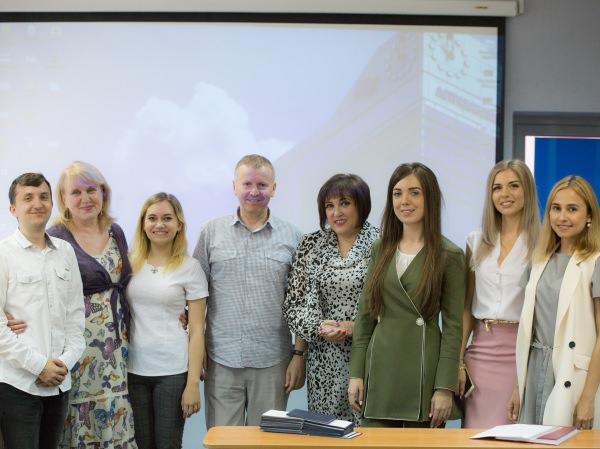 Бакалавров Астраханского госуниверситета пригласили наработу сразу после защиты дипломов